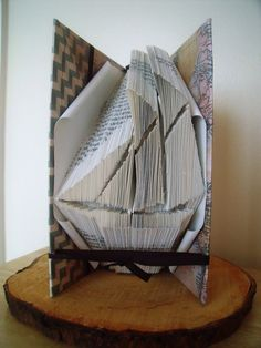 Sailing Boat Nautical Gift - Customised Father's Day Gift - Unique Man Gift by CreationsByMEx on Etsy Folded Book Art, Book Folding, Crafts To Do, Arts And Crafts, Sailboat Craft, Nautical Gifts, Unique Gifts For Men, Book Sculpture, Presents For Men