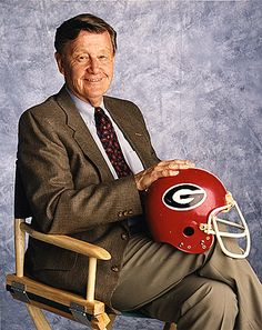 The legendary Larry Munson. All #Dawgs go to heaven. Hope the boys hunker down and finish the drill for him this season.