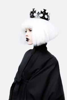 White Hair Queen