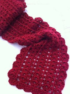 Urban Shells crochet scarf pattern. This works up quickly and self edges. This is SUCH AN EASY pattern!  I love it and have made it many times.