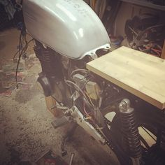 Cut off the backend and put tempotary seat on so I can sit and see where everything goes #suzukigs450