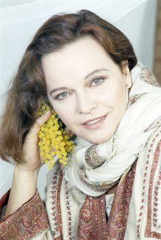 Laura Antonelli (nacida Laura Antonaz; Pola, 28 de noviembre de 1941 – Ladispoli, 22 de junio de 2015)