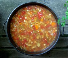 All-Day Vegetable Soup... I've been craving Frisch's Vegetable Soup...