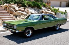 69 GTX Plymouth Muscle Cars, Dodge Muscle Cars, Classic Motors, Classic Cars, 1969 Plymouth Gtx, Mid Size Car, Plymouth Belvedere, 70s Cars, Performance Cars