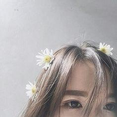 32 Ideas for photography girl poses ideas lighting Aesthetic Eyes, Korean Aesthetic, Bad Girl Aesthetic, Girl Photo Poses, Girl Photography Poses, Girl Poses, Korean Girl Photo, Cute Korean Girl, Girl Hiding Face