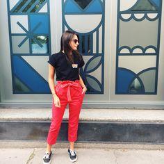 Pantalon#113Burda 09/2014 Tissu denim@mapetitemercerieà la base rose Barbie fluo, teint en rouge ! Modifications : j'ai remplacé la ceinture du modèle