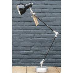 Vintage // Vintage bureaulamp - 189.00 euro