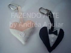 http://napontadaagulha1.blogspot.com/2009/04/coracoes-em-feltro.html