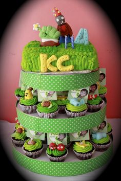 Plants Vs Zombies Cake And Cupcake Tower Plants vs Zombies cake and cupcake tower 9th Birthday Cake, Zombie Birthday Parties, Zombie Party, Birthday Fun, Cupcake Cookies, Sugar Cookies, P Vs Z, Zombie Cupcakes, Plants Vs Zombies 2