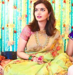 Actress Swathi Reddy & Her Super Cute Telugu Wedding Telugu Wedding, Saree Wedding, Bridal Sarees, Estilo India, Baby Pink Saree, Indian Bridal Fashion, Elegant Saree, South Indian Bride, Indian Beauty Saree
