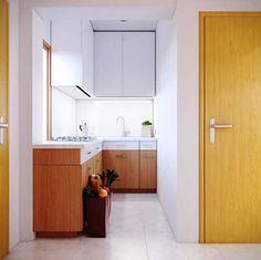 Immagine di http://luvne.com/wp-content/uploads/2013/07/very-small-apartment-kitchen.jpg.