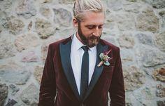 maroon velvet jacket - love this look!