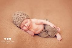 Newborn cable beanie hat and knit pants set in 50 colors,newborn boy girl photo outfit,newborn photo prop,baby knit pants,newborn props Newborn Photography Props, Newborn Photo Props, Newborn Session, Boy Newborn, Baby Boy Photos, Newborn Pictures, Crochet Costumes, Baby Monogram, Personalized Baby Gifts