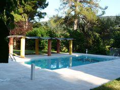 Votre lieu de vacances, au calme, avec votre piscine privée (aucun autre locataire) de 5x10m sécurisée par une alarme périmétrique, le Wi-Fi également accessible depuis la terrasse de la piscine