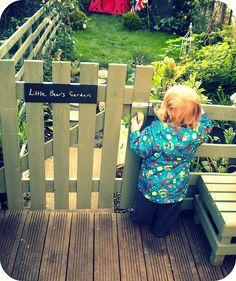 pallet fencing-gate for deck