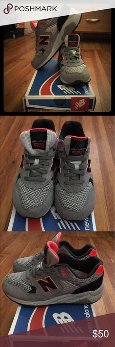 Women's 6 New Balance👟 *WORN TWICE* these shoes extra comfy! Gray and neon red coloring with black as well, come in box🤗❤️ New Balance Shoes Sneakers