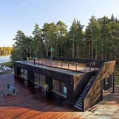 So badass. #housegoals #inabigcitytho #tinyhouse #modernliving by bigran82