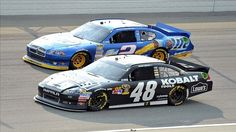 Jimmie Johnson and Brad Keselowski take the Gloves off at Phoenix International Raceway