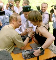28 WTF Pictures From Vladimir Putin's Crazy Life He's a judo master, deep sea diver, and tamer of wild beasts — you can't make this shit up. Putin Funny, Russian Grand Prix, Summit Meeting, Deep Sea Diver, Vladimir Putin, Michelle Lewin, Crazy Life, Boxing Workout, Photo Essay