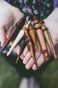 Uncinetti in legno fatti a mano