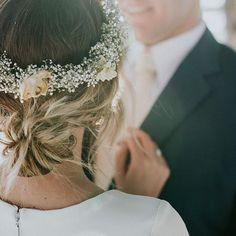 #weddingwreath #babysbreath #wedding  - Call Me Madame - A French Wedding Planner in Bali - www.callmemadame.com