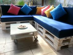 Love this...Hubby brought home pallets today..