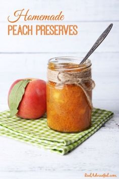 Looking for a super easy homemade peach preserves recipe? We have you covered, check it out! Jam Recipes, Canning Recipes, Fruit Recipes, Canning 101, Cooker Recipes, Vegan Recipes, Peach Preserves Recipe, Fruit Preserves, Jam And Jelly