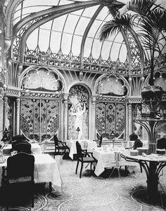 Interior Design: Salle de Restaurant: Art Nouveau.