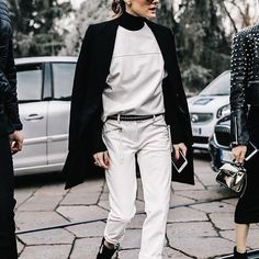 Effortless Outfit Ideas You Can Steal 02 Olivia Palermo, Style Blog, Nude Flats, All Black Looks, Look Chic, Winter Looks, White Tees, Autumn Fashion, Milan Fashion