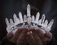 tiara crown made of rock quartz crystal points. Quartz Crystal, Rose Quartz, Clear Quartz, Crystal Diamond, Crystal Healing, Circlet, Tiaras And Crowns, Schmuck Design, Wiccan