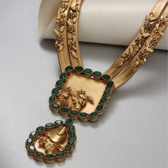 Materials Used: Gold plated copper,Crystals,Lobster Clasp, Anti tarnish. Since each piece is handcrafted, please. Gold Jewellery Design, Gold Jewelry, Wedding Jewelry, Jewelry Necklaces, Bridal Jewellery, Gold Bangles, India Jewelry, Diamond Jewellery, Pendant Jewelry