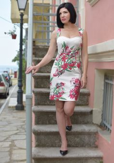White Dress with Pink Flowers Sport Chic, Fashion Seasons, Spring Summer 2018, Pastel Colors, Pink Flowers, Print Patterns, White Dress, Sequins, Fashion Trends