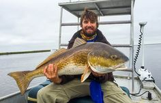 These three things will help you land more fish and avoid the embarrassing mistake of losing a nice one at the side of the boat. Fishing 101, Fishing Guide, Going Fishing, Best Fishing, Uni Knot, Salt Water Fish, Cool Fish, Best Clips, Fishing Charters