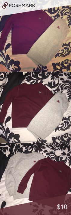 Old Navy 2 pack Fleece pull over Two Fleece pull overs with crew neck Old Navy Shirts & Tops Sweaters