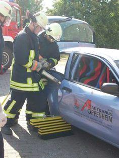Rettungskarte: Ein handlicher Lebensretter fürs Auto.