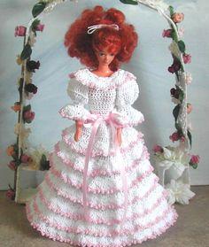 Crochet moda muñeca Barbie patrón - #593 junio BRIDESMAID #1