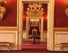 St. James Palace Inside | Visual Insights: Awesome Room Rentals From Queen Elizabeth II For ...