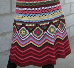 Fabulous Crochet a Little Black Crochet Dress Ideas. Georgeous Crochet a Little Black Crochet Dress Ideas. Crochet Bodycon Dresses, Crochet Skirts, Crochet Clothes, Crochet Coat, Crochet Jacket, Crochet Cardigan, Crochet Squares, Crochet Stitches, Crochet Designs