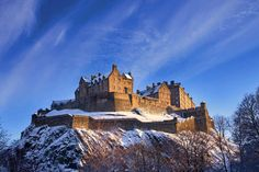 Unmissable Cultural Attractions in Scotland this Winter: Edinburgh Unique Honeymoon Destinations, Honeymoon Spots, Travel Destinations, Real Life Games, Lago Ness, Edinburgh Castle, Castle Scotland, Edinburgh Scotland, Scotland Uk