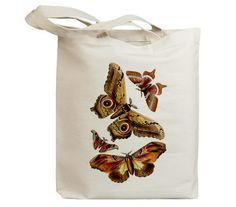 He encontrado este interesante anuncio de Etsy en https://www.etsy.com/es/listing/85779124/butterflies-flying-insects-27-eco