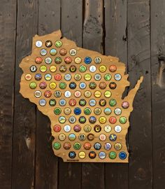Wisconsin beer cap map. The perfect Grooms or Groomsman gift.  Also a unique guestbook alternative from @beercapmaps