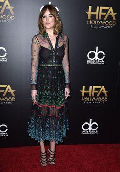 Dakota Johnson en robe Gucci lors de la cérémonie des Hollywood Film Awards à Los Angeles