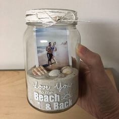 Mason Jar Photo Memory Jar- I Love You to the Beach and Back Picture Frame Best Friend Polariod Gift for Boyfriend Honeymoon Sand Jar Pot Mason Diy, Mason Jar Gifts, Mason Jars, Foto Memory, Mason Jar Photo, Diy Gifts For Boyfriend, Boyfriend Pictures, Boyfriend Picture Frame, 21st Birthday Gifts For Boyfriend