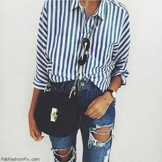 Blue navy stripes and rippes jeans for weekend style. #spring #stripes #skinnyjeans #weekend