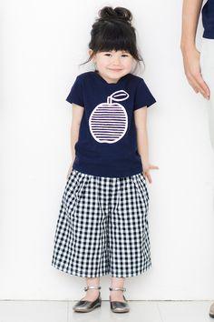 イラストレーターの山内庸資(やまうちようすけ)さんとつくった コミュニケーションTシャツ〈キッズ〉 (ネイビー)|フェリシモ