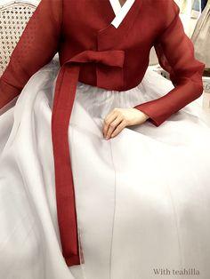 Korean Hanbok, Korean Dress, Korean Traditional, Traditional Clothes, Long Dresses, Dresses Online, Textiles, Women's Fashion, Asian