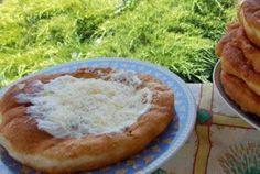Hűtős lángos - tésztája eláll a hűtőben, mindig frissen sütheted! Mennyei ez a recept! Kefir, Minion, Camembert Cheese, Dairy, Food And Drink, Diet, Minions