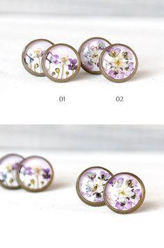 Real flower stud earrings Tiny stud earring Etsy by KvitkaSonze #studsearrings #violetstuds #realflowersstuds