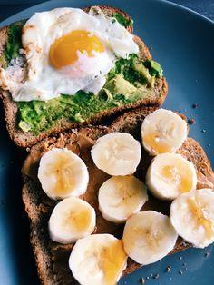 avocado breakfast # easy-healthy-food - h e a l t h y f o o d - To eat healthy food Avocado Breakfast, Easy Healthy Breakfast, Healthy Snacks, Breakfast Recipes, Healthy Eating, Healthy Recipes, Cheap Recipes, Breakfast Ideas, Clean Eating