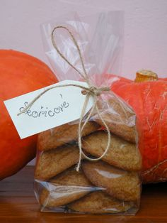 skořicové sušenky Christmas Cookies, Christmas Gifts, Crackers, Paper Shopping Bag, Ham, Gift Wrapping, Place Card Holders, Homemade, Snacks